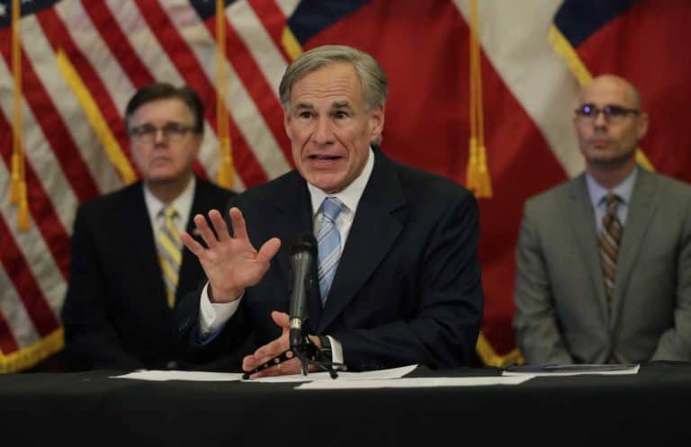 Texas Gov.: Restaurants, retailers can expand capacity but bars must stay closed